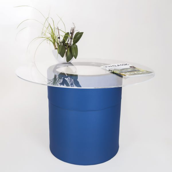 _IC_7528 ┬®mike blume blau hoch mit Mittelteil blau Glasplatte WEBversion 2000px 72dpi